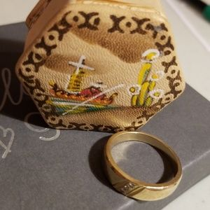 14k Gold Men's wedding ring.
